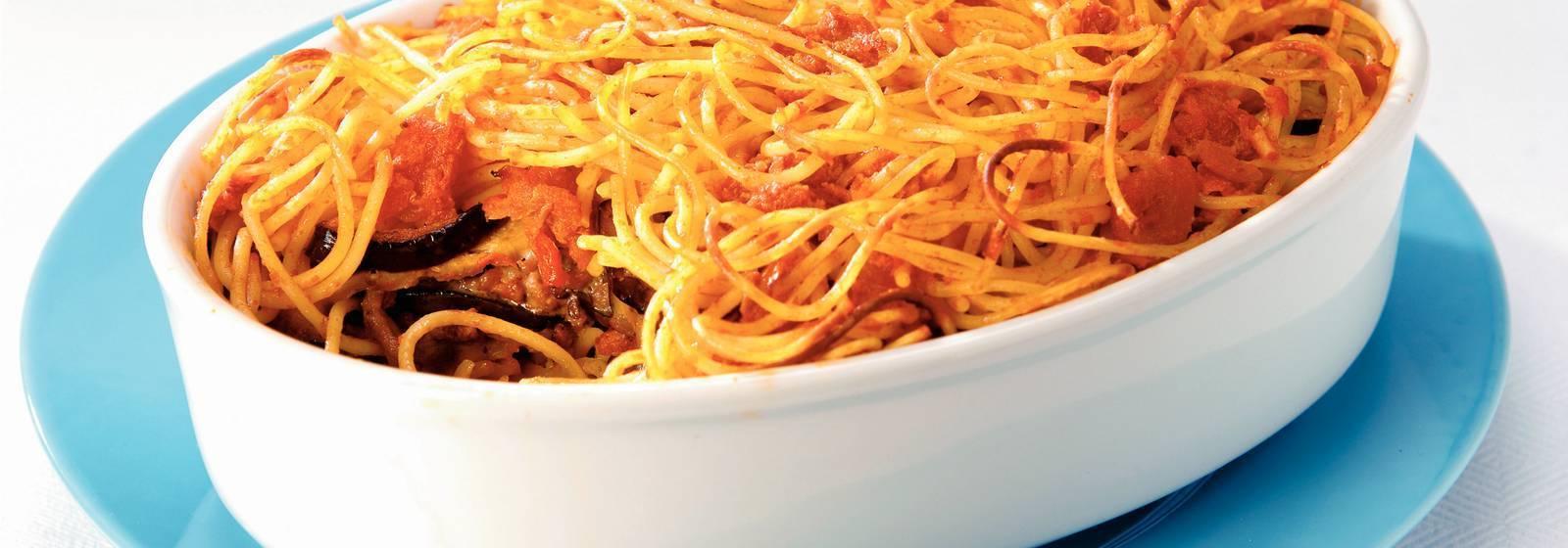 Spaghetti-layer dish with mascarpone
