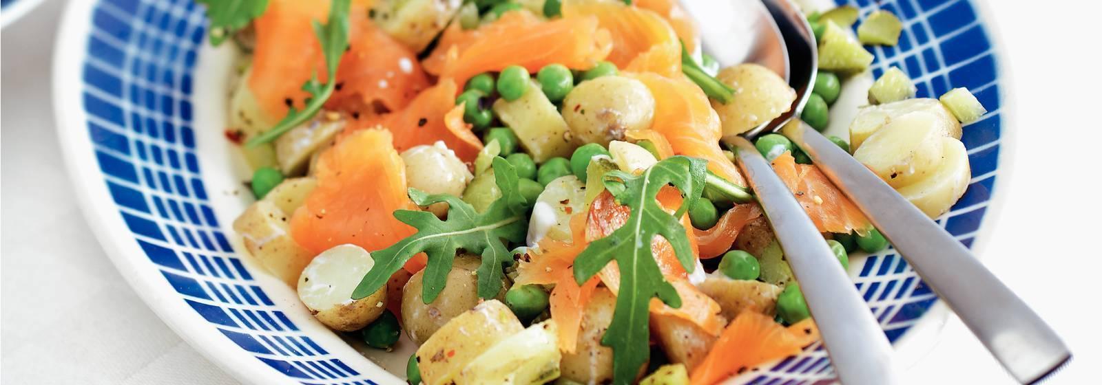 Lukewarm potato salad with smoked salmon